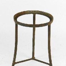 Antigüedades: ANTIGUO MACETERO DE HIERRO. Lote 203115978