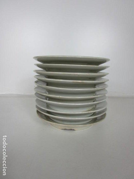 Antigüedades: Curioso Platos Antiguos - Sello Choisy le Roi - Porcelana Opaca - con Salsera Incluida - S. XIX - Foto 3 - 203172181