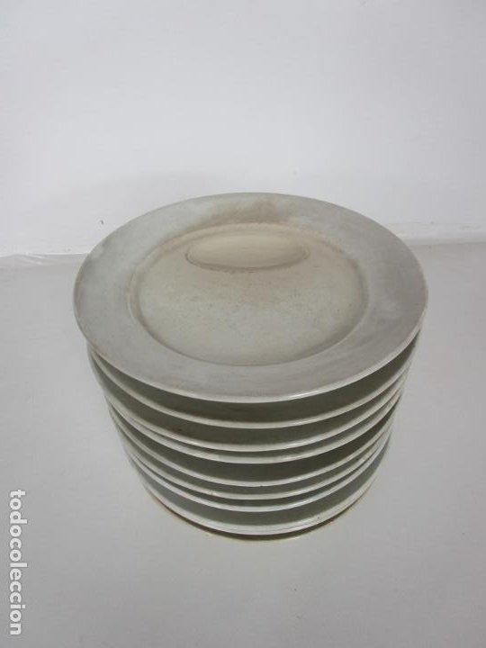 Antigüedades: Curioso Platos Antiguos - Sello Choisy le Roi - Porcelana Opaca - con Salsera Incluida - S. XIX - Foto 4 - 203172181