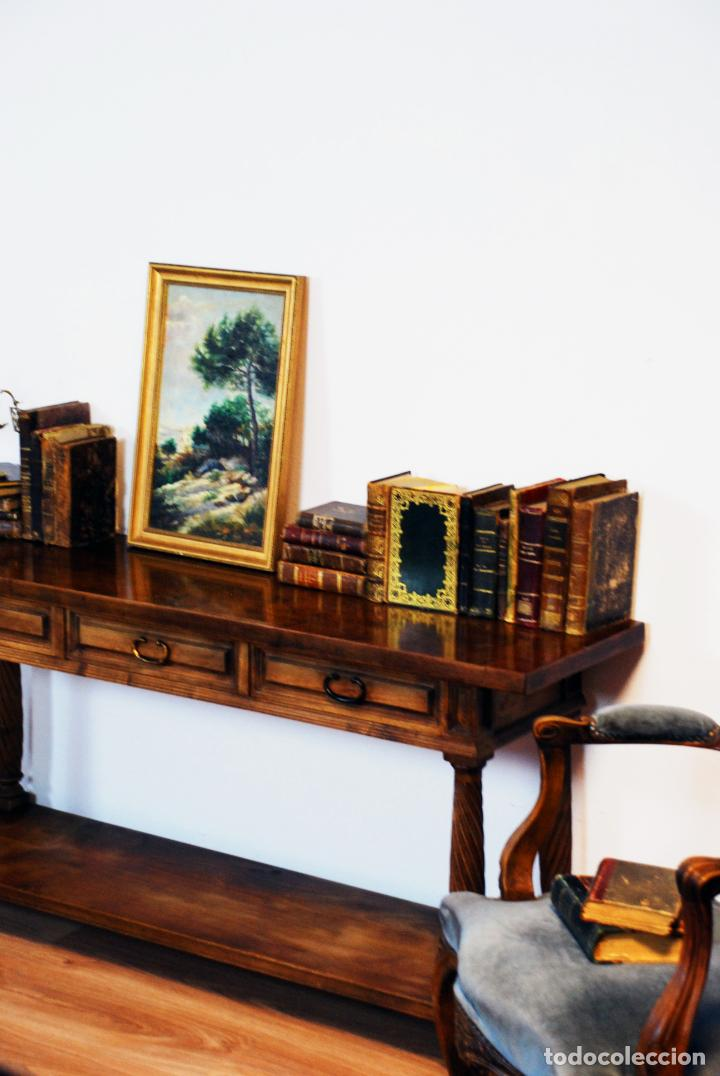 Antigüedades: Elegante conjunto de salón. Aparador en nogal macizo con cajones y dos butacas estilo Luis XV. - Foto 12 - 203198358