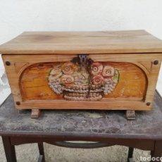 Antigüedades: ANTIGUA ARQUETA O COFRE. Lote 203243406