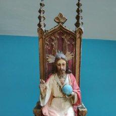 Antigüedades: FIGURA CRISTO REDENTOR EN TRONO AÑOS 40-50. Lote 203262587