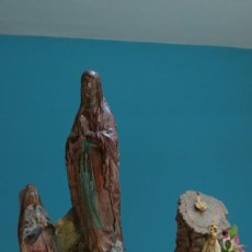 Antigüedades: FIGURA DOBLE DE VIRGEN EN ESCAYOLA TIPO OLOT. Lote 203263338
