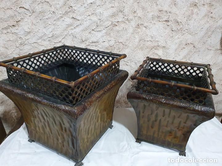 Antigüedades: PAREJA DE JARDINERAS DE FORJA - Foto 2 - 203264008