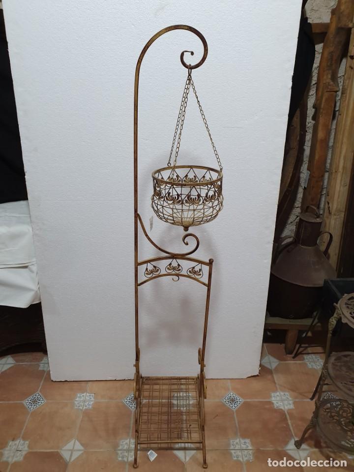 MACETERO DE FORJA (Antigüedades - Hogar y Decoración - Maceteros Antiguos)