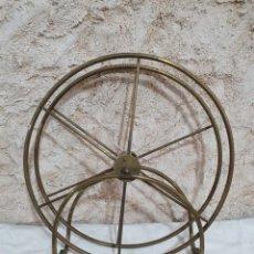 Antigüedades: RECOGE MANGERAS DE LATÓN. Lote 203289100