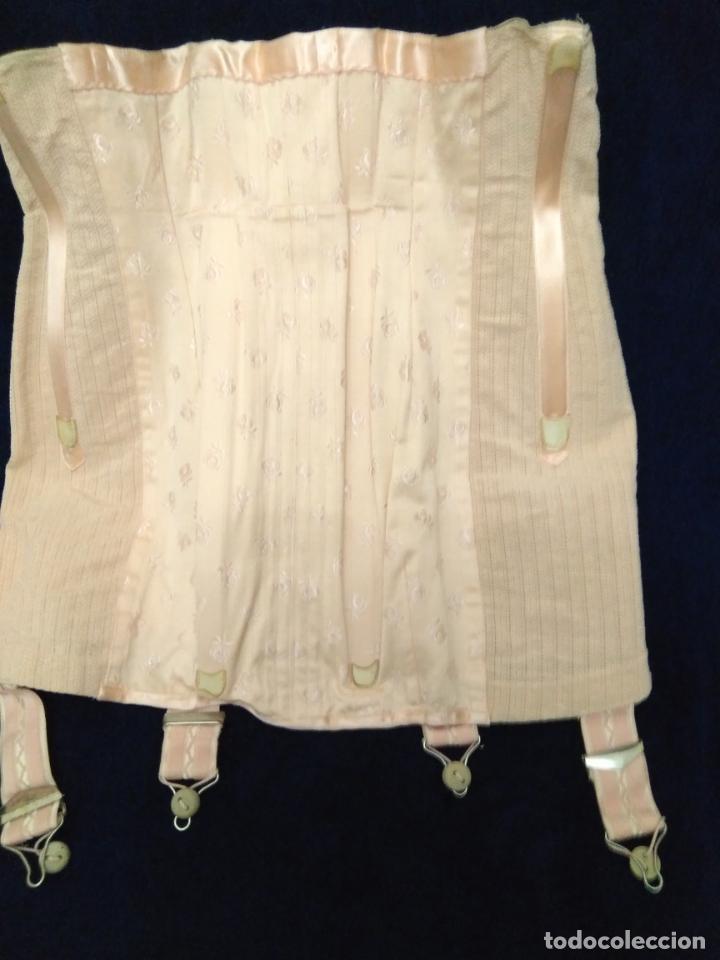 Antigüedades: Antigua faja de corsetería a medida sin uso algodón adamascado, raso, elástico, ballenas, ligueros - Foto 4 - 203298061