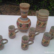 Antigüedades: JUEGO DE BOTELLA, JARRA Y VASO, CERÁMICA ANTIGUA PUENTE DEL ARZOBISPO ------ZXY. Lote 203303461