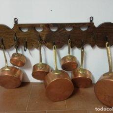 Antigüedades: CLAVERA CON JUEGO DE CAZOS. Lote 203310906