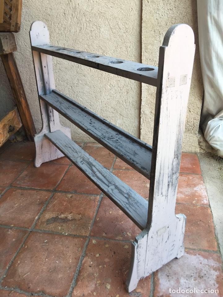 Antigüedades: Pareja de hacheros antiguos s. XIX de madera - Portacirios de iglesia - Portavelas - Vela, cirio - Foto 3 - 203334011