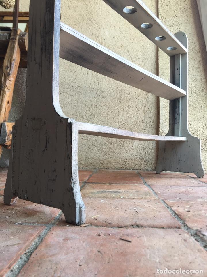 Antigüedades: Pareja de hacheros antiguos s. XIX de madera - Portacirios de iglesia - Portavelas - Vela, cirio - Foto 5 - 203334011