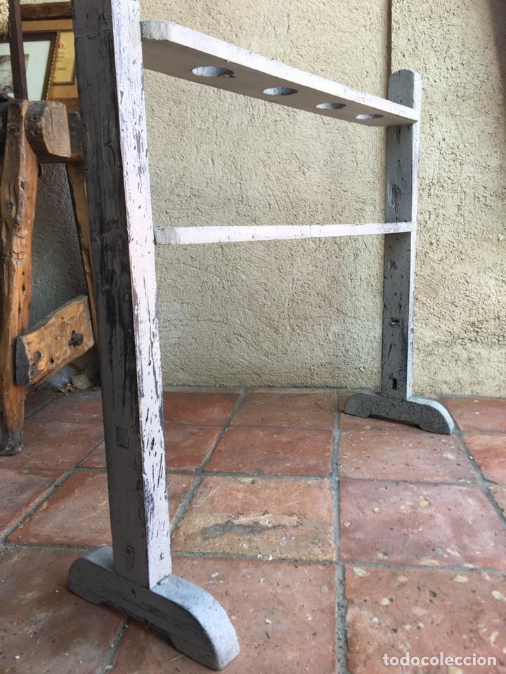 Antigüedades: Pareja de hacheros antiguos s. XIX de madera - Portacirios de iglesia - Portavelas - Vela, cirio - Foto 6 - 203334011