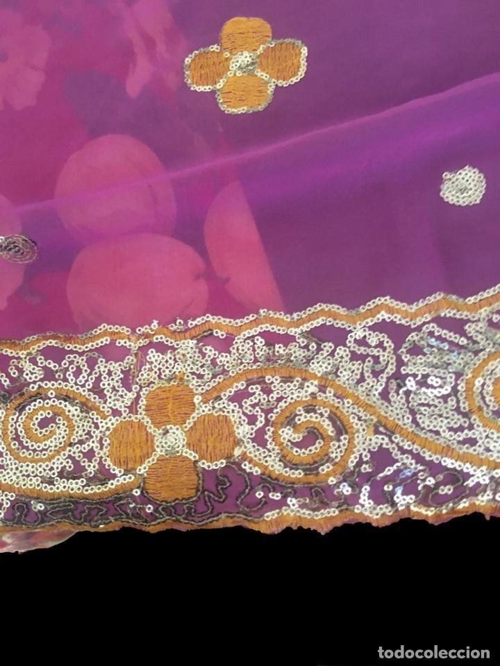 Antigüedades: Precioso chal de gasa fucsia y amarillo,antiguo - Foto 4 - 203322020