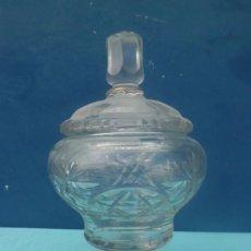 Antigüedades: MAGNIFICA BOMBONERA DE BOHEMIA. Lote 203394578