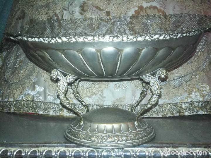 Antigüedades: METAL PLATEADO ANTIGUA JARDINERA ENSALADERA CENTRO DE MESA LABRADA IDEAL FLORES VIRGEN SEMANA SANTA - Foto 6 - 203506203
