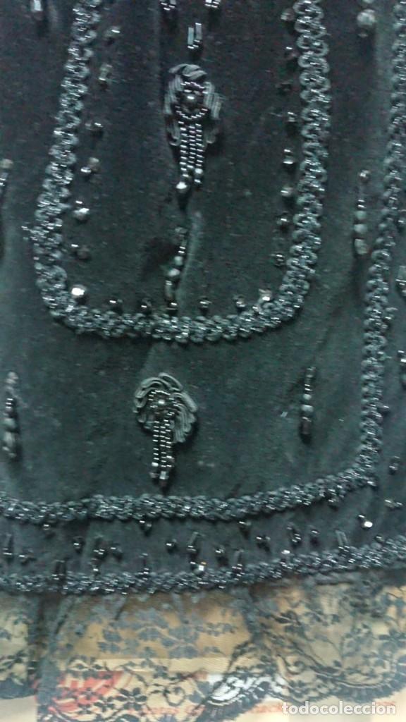 Antigüedades: ANTIGUO DELANTAL TRAJE TRADICIONAL REGIONAL CON ABALORIOS HECHO A MANO - Foto 5 - 203577198