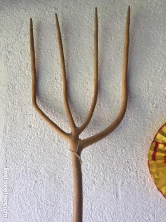 Antigüedades: horca tallada en madera - Foto 6 - 203592578