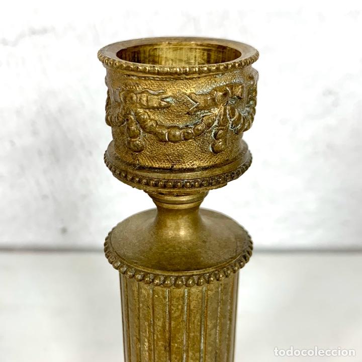 Antigüedades: Pequeño candelabro en bronce estilo Imperio - siglo XIX - Foto 3 - 203617383