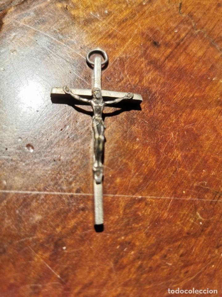 PEQUEÑO CRUCIFIJO EN PLATA PARA COLGAR. 5X3 CM (Antigüedades - Religiosas - Crucifijos Antiguos)