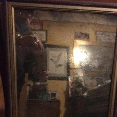 Antigüedades: ESPEJO ANTIGUO ENMARCADO. LUNA DE CLORURO DE PLATA. CIRCA 1890. 35X43 CMS. APROX. CON MARCO.. Lote 203636320