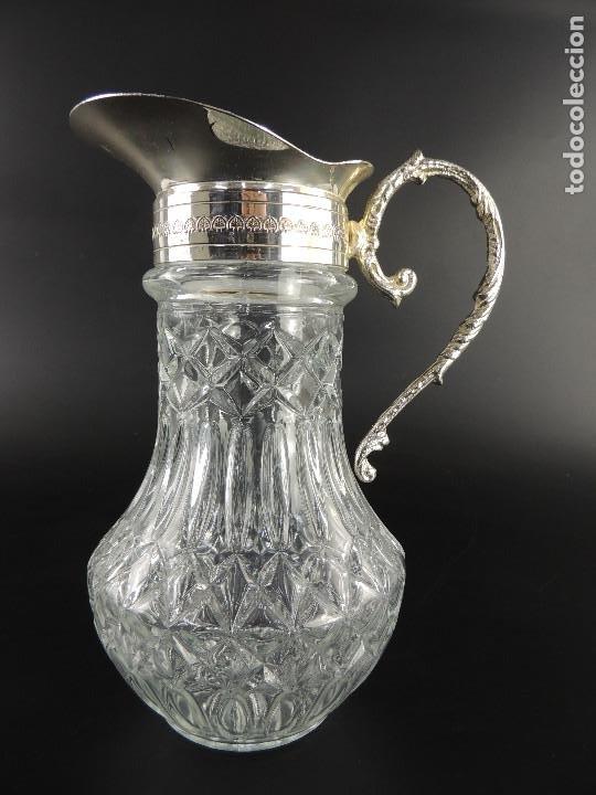 BONITA JARRA DE CRISTAL Y METAL COLOR PLATEADO EXCELENTE PIEZA (Antigüedades - Cristal y Vidrio - Otros)