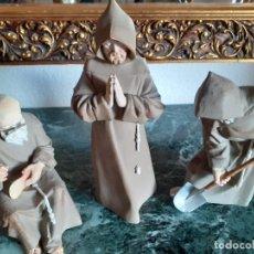 Oggetti Antichi: FRAILES DE PORCELANA ALGORA. Lote 203779116