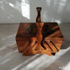 Antiguidades: COSTURERO DE MADERA. Lote 203814515