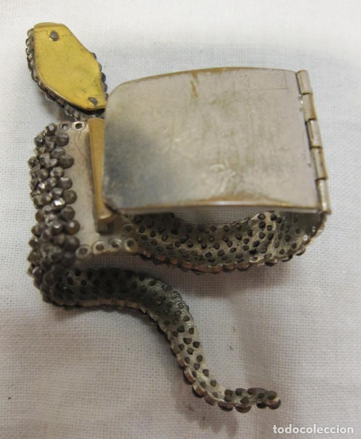 Antigüedades: ANTIGUO CLIP PARA PAÑUELO O CABELLO EN FORMA DE SERPIENTE. METAL 7 X 4 X 2 CM - Foto 3 - 203820196
