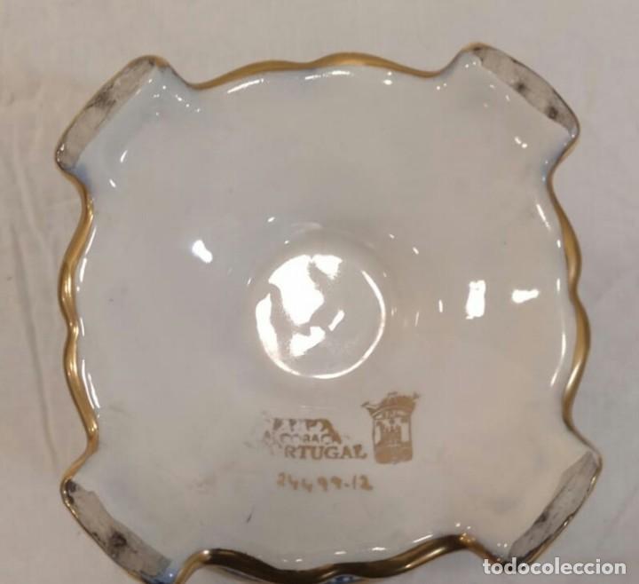 Antigüedades: Búcaro cerámica tipo biscuit. Policromado y oro. Portugal. V1 - Foto 6 - 203832766