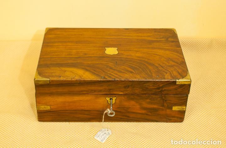 INTERESANTE CAJA ESCRITORIO INGLESA (Antigüedades - Muebles Antiguos - Auxiliares Antiguos)