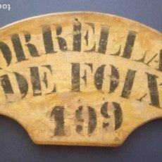 Antigüedades: ANTIGUA MATRÍCULA DE MADERA PARA CARRO - TORRELLAS DE FOIX Nº 199 - PENEDÉS. Lote 203866725