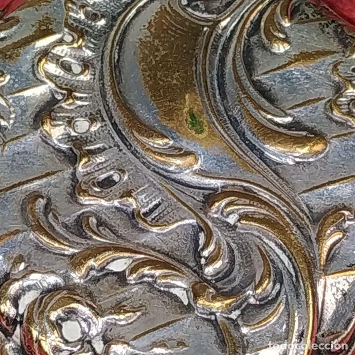 Antigüedades: CAJITA PASTILLERO. METAL CHAPADO PLATA. ESTILO ROCOCÓ. ESPAÑA. XIX-XX - Foto 3 - 203889742