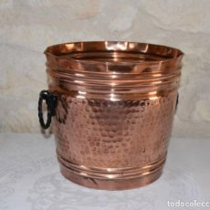 Antigüedades: VILLEDIEU, GRAN CUBO DE COBRE HECHO A MANO. Lote 203894905