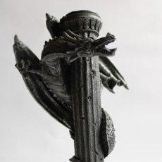 Antigüedades: SOPORTE DE VELA DRAGON. Lote 203912400