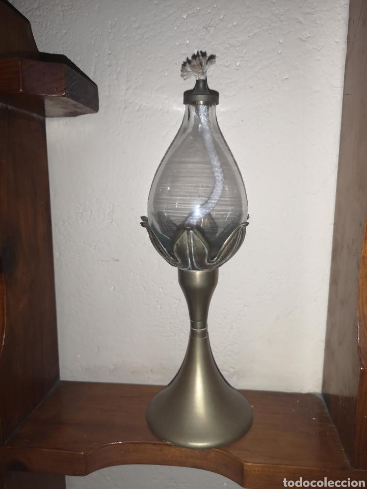 QUIQUE O LAMPARILLA DE ACEITE MUY RARA EN BRONCE Y CRISTAL. (Antigüedades - Iluminación - Quinqués Antiguos)