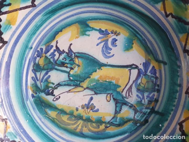 Antigüedades: antiguo lebrillo de triana, pintado a mano - Foto 2 - 203950161
