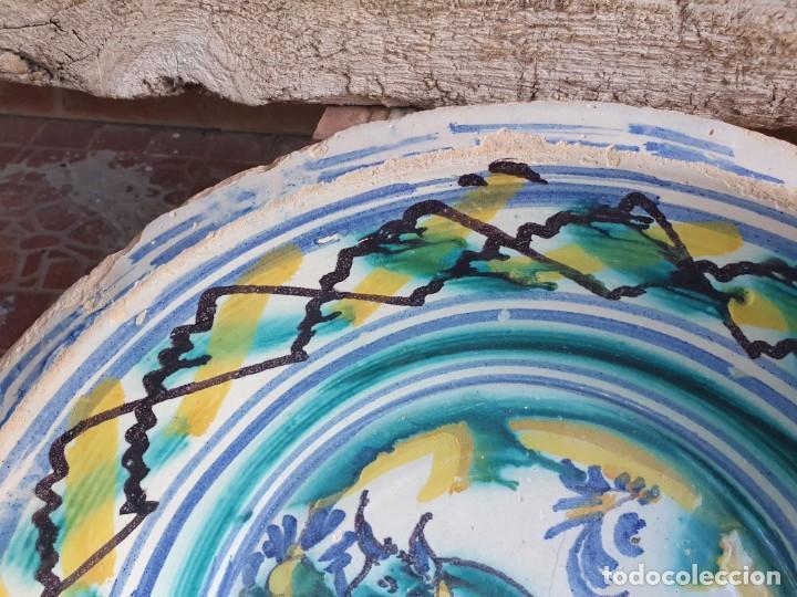 Antigüedades: antiguo lebrillo de triana, pintado a mano - Foto 3 - 203950161