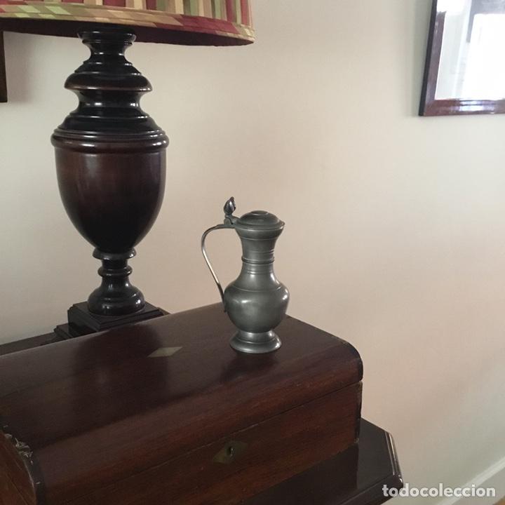 Antigüedades: Jarra de estaño pewter peltre holandesa con sello y adorno de dos bellotas - Foto 11 - 203967121