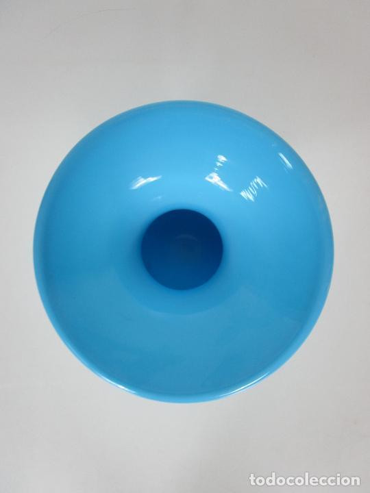 Antigüedades: Escupidera - Cristal La Granja - Opalina Azul - S. XIX - Foto 3 - 203969695