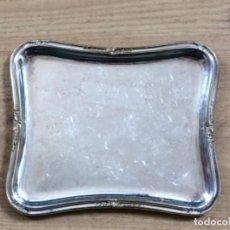 Antigüedades: ANTIGUA BANDEJA TARJETERO METAL PLATEADO. Lote 203970491