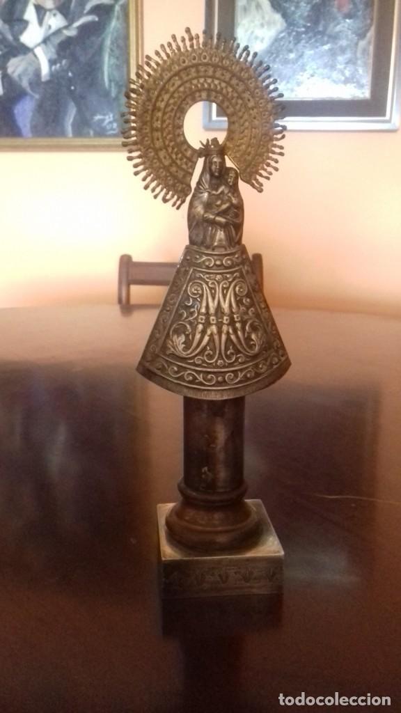 VIRGEN DEL PILAR DE PLATA ANTIGUA 30X7X7 (Antigüedades - Religiosas - Medallas Antiguas)