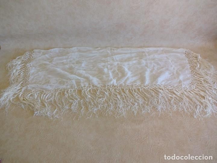 Antigüedades: antiguo manton de seda color blanco - Foto 9 - 203991342