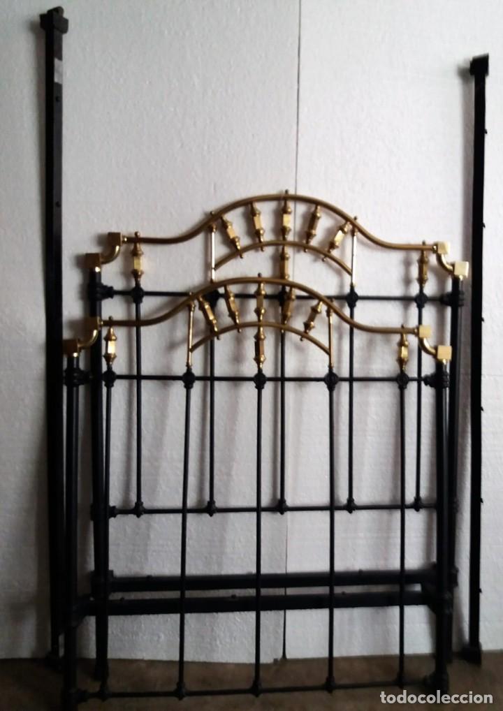 CAMA DE FORJA Y BRONCE. COMPLETA . MEDIDA DE LA CAMA 1.05 (Antigüedades - Muebles Antiguos - Camas Antiguas)