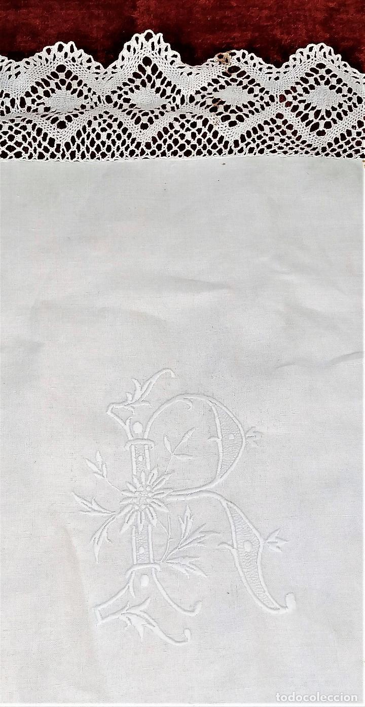 FUNDA PARA CUADRANTE DE 85X85. LINO BORDADO A MANO, ENCAJE BOLILLOS. ESPAÑA. SIGLO XIX (Antigüedades - Hogar y Decoración - Sábanas Antiguas)