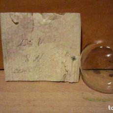 Antiguidades: CURIOSA BOMBILLA DE 125V 8W ROSCA E27 10 CM DE LARGO.. Lote 204061752