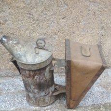 Antigüedades: FUELLE ANTIGUO DE HUMO (ABEJAS).. Lote 204095595