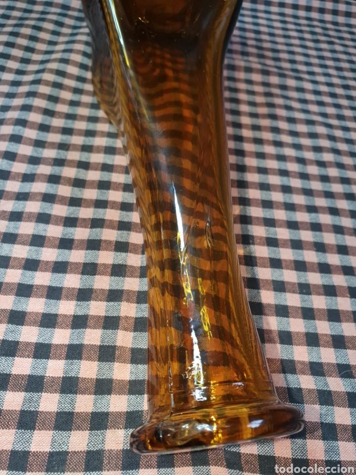 Antigüedades: Botella Artística Ámbar Antigua Fábrica De Vidrio En Manresa Desaparecida Por Los Años 60. - Foto 12 - 204114812