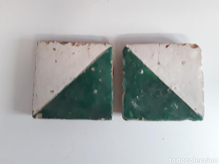 2 AZULEJOS GÓTICOS DEL MOCADORET SIGLO XVII (Antigüedades - Porcelanas y Cerámicas - Azulejos)