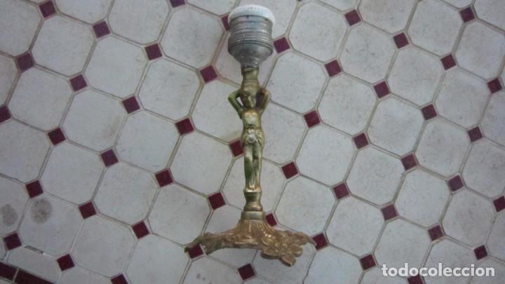 LAMPARA DE BRONCE EN BUEN ESTADO (Antigüedades - Hogar y Decoración - Portavelas Antiguas)