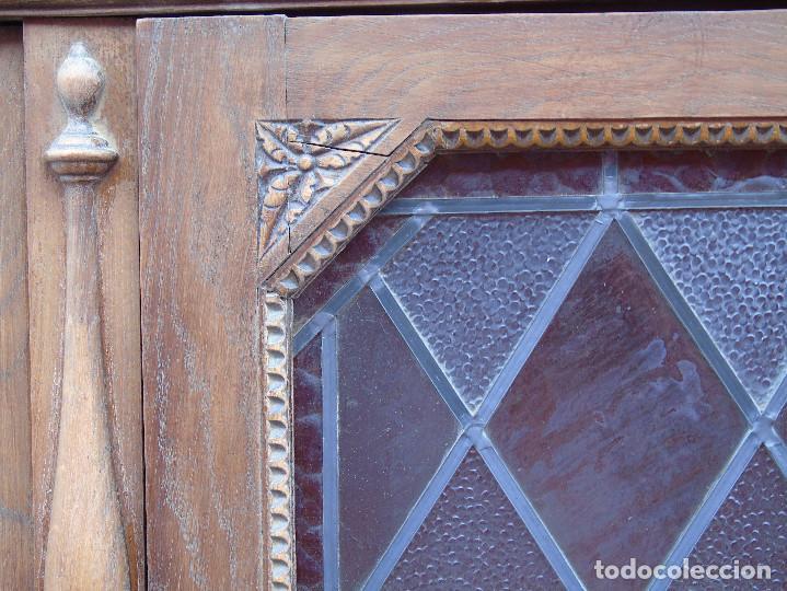 Antigüedades: ANTIGUO ARMARIO DE MADERA PARA DESPACHO O BIBLIOTECA, CON CRISTALES EMPLOMADOS. - Foto 6 - 204147127